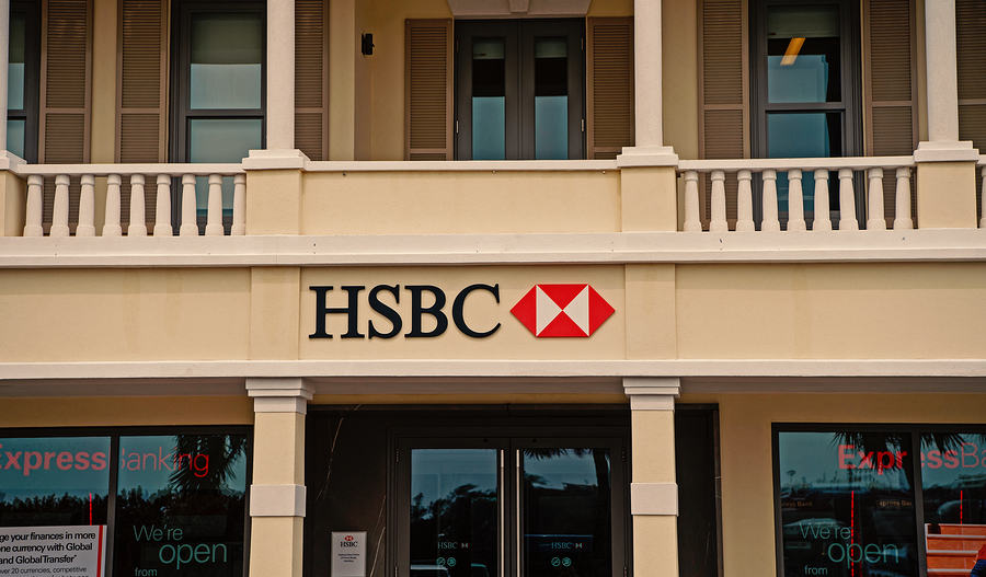 FT: HSBC to cut up to 10000 jobs